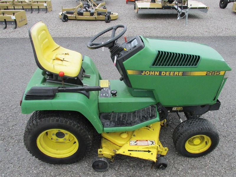 2005 John Deere 285 Riding Mower For Sale