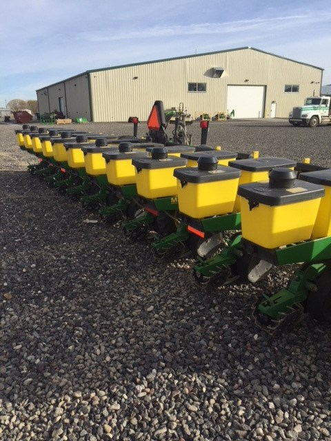 2005 John Deere 1710 Planter For Sale
