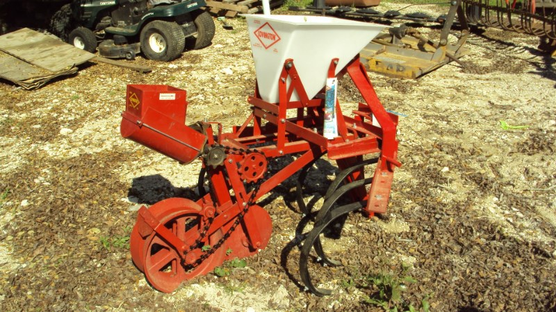 Other Covington one row planter w/ cultivator Planter For Sale