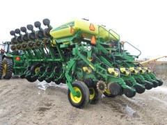Planter For Sale:  2003 John Deere 1790