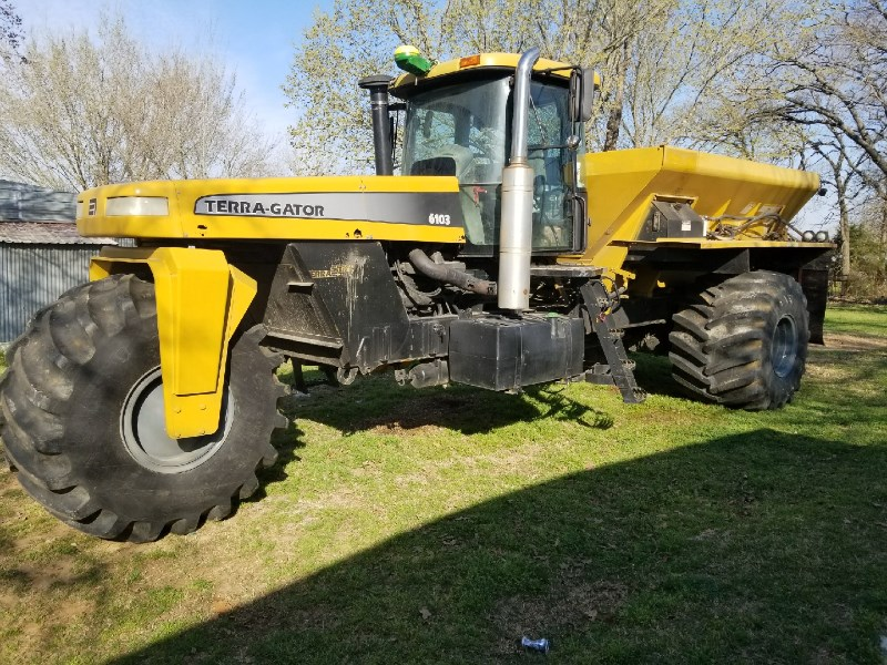 2001 Terra-Gator 6103 Floater/High Clearance Spreader For Sale