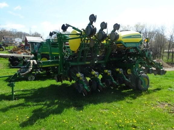 2014 John Deere 1790 Planter For Sale