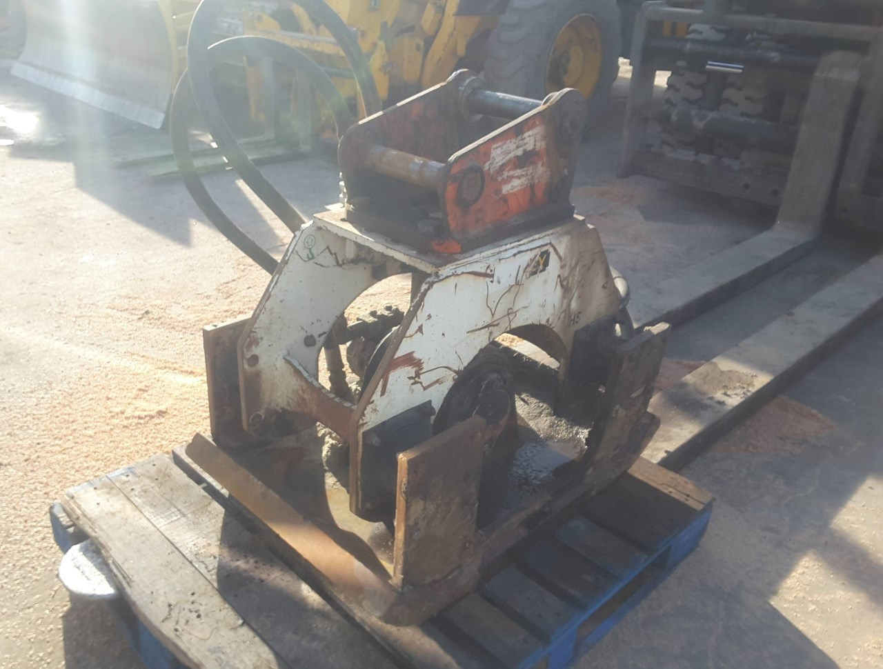 Stanley HS11000 Plate Compactor For Sale