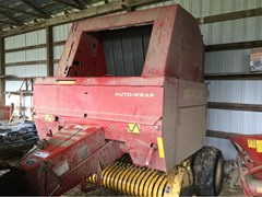 Baler-Round For Sale 2002 New Holland 658