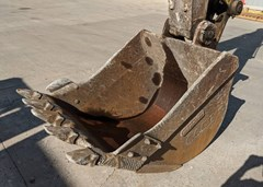 Excavator Bucket For Sale:  2000 Komatsu PC220B