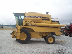 Combine For Sale 1998 New Holland TR88