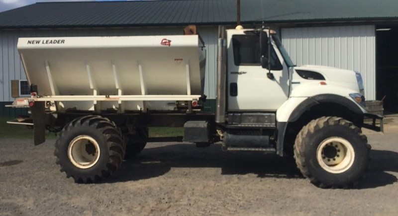 2008 International 7400 Floater/High Clearance Spreader For Sale