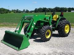 Tractor For Sale 2004 John Deere 5220 , 53 HP