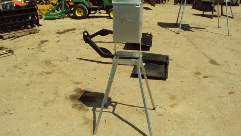 Other Heavy duty wildlife block feeder Misc. Ag For Sale