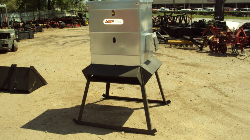 Other 600LB ELECTRIC PROTEIN FEEDER Misc. Ag For Sale