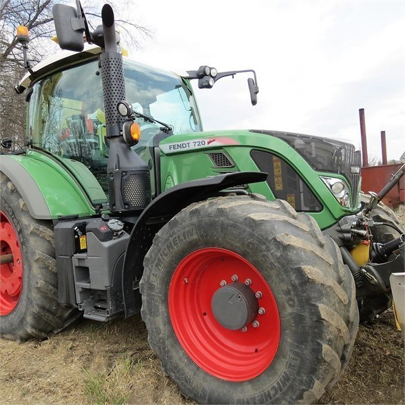 2014 Fendt 720 VARIO Tractor For Sale
