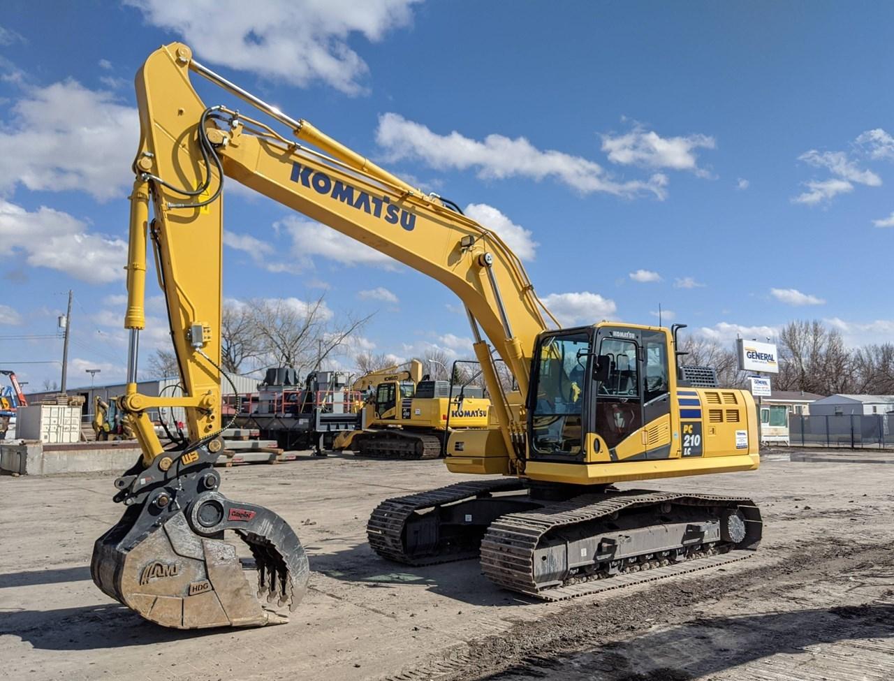 2017 Komatsu PC210LC-11 Excavator For Sale