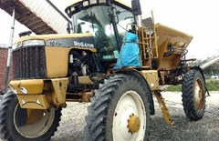 Floater/High Clearance Spreader For Sale RoGator 1074C