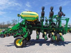 Planter For Sale:  2010 John Deere 1790