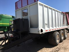 Manure Spreader-Dry/Pull Type For Sale 2012 Other Hitchcock