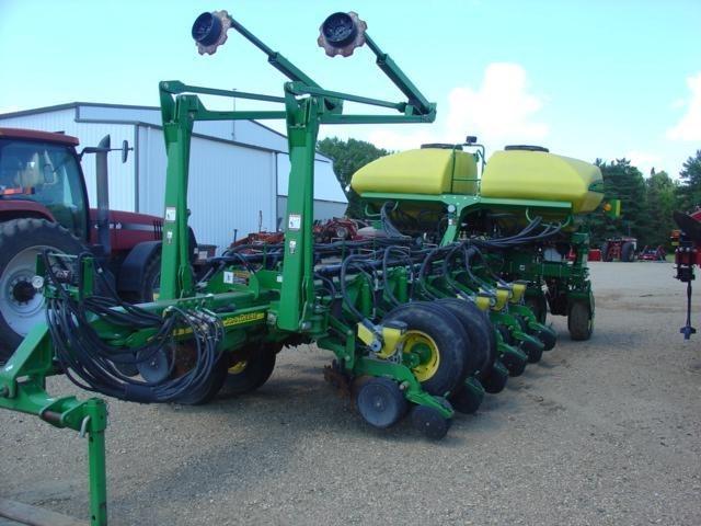 2007 John Deere 1770NT Planter For Sale