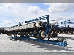 Planter For Sale 2008 Kinze 3600