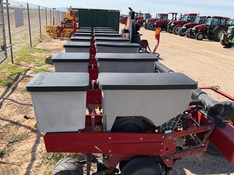 2000 Case IH 1200 Planter For Sale