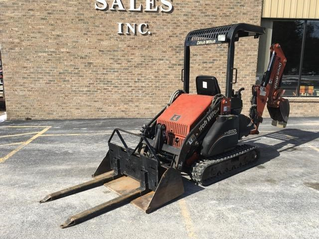 2005 Ditch Witch XT850 Tractor For Sale