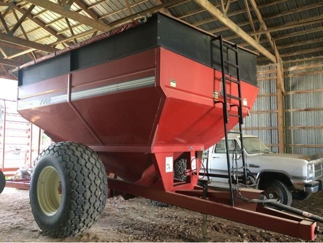 1998 Brent 772 Grain Cart For Sale