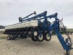Planter For Sale:  2008 Kinze 3700