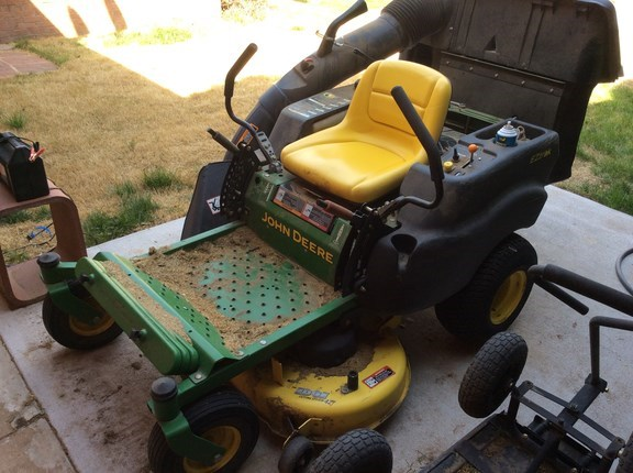 2008 John Deere Z225 Riding Mower For Sale