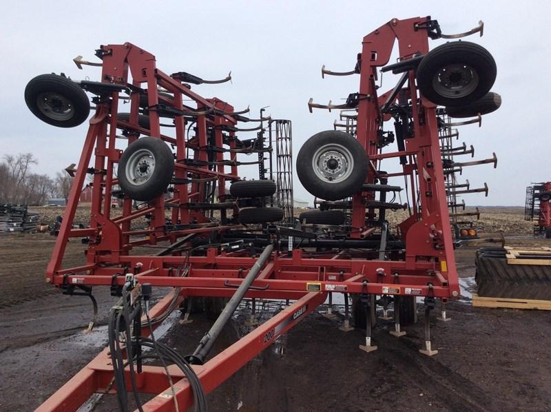 2012 Case IH TIGER-MATE 200- 50.5' Field Cultivator For Sale