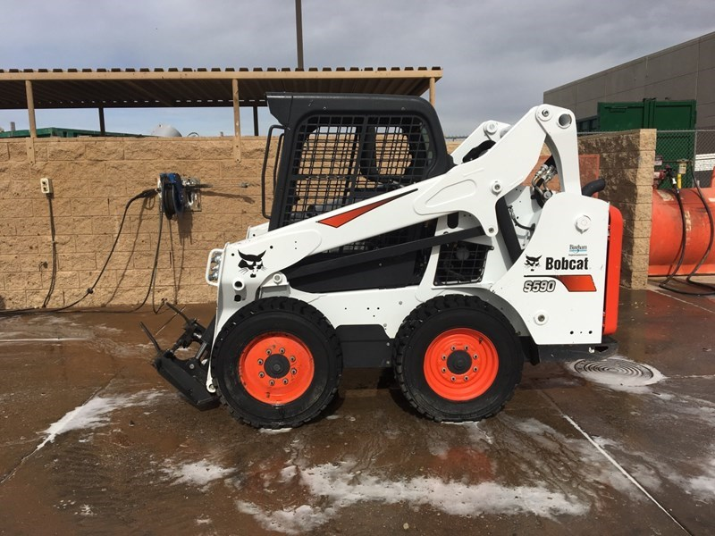 Bobcat S590 T4 Skid Steer