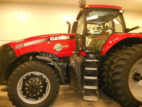 Tractor For Sale:  2013 Case IH 235 , 235 HP