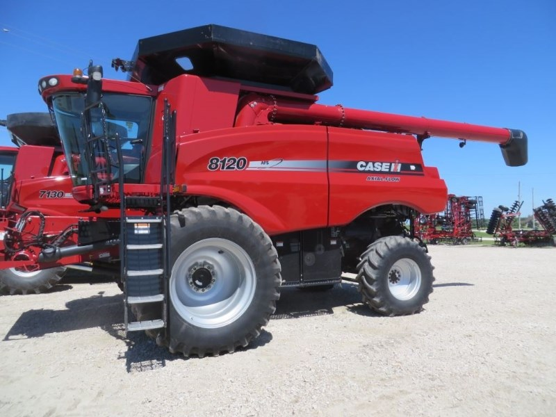 2011 Case IH 8120 Combine For Sale