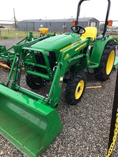 Tractor For Sale 2012 John Deere 3032E , 31 HP