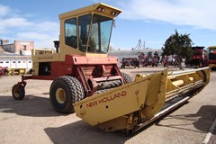 Windrower-Self Propelled For Sale 1985 New Holland 1116