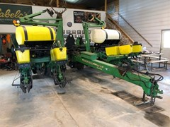 Planter For Sale:  1997 John Deere 1760