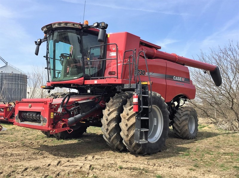 2014 Case IH 8230 Combine For Sale