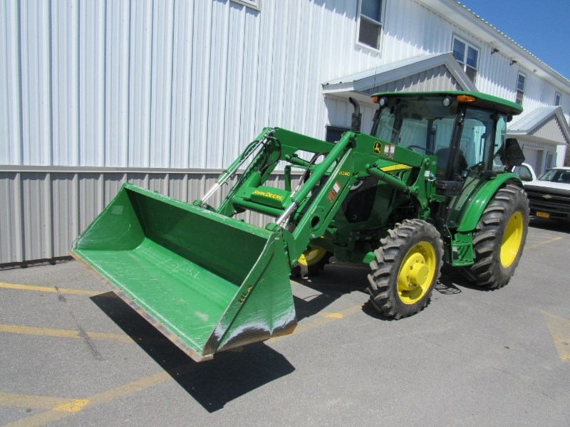 John Deere 5075E Tractor For Sale