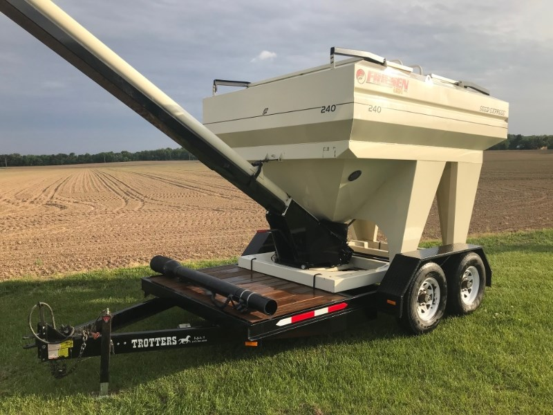 2009 Freisen 240 SEED EXPRESS Seed Tender For Sale