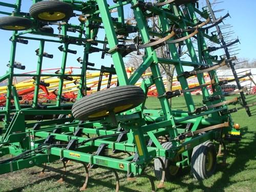 Field Cultivator For Sale:  2002 John Deere 980