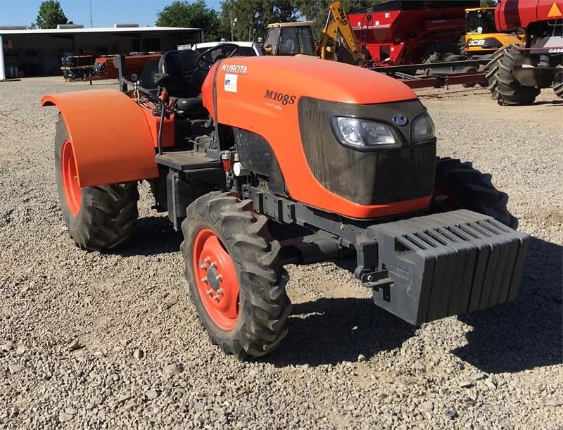2012 Kubota M108SHDC2 Tractor