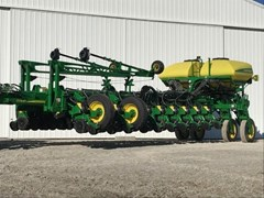 Planter For Sale 2017 John Deere 1775NT