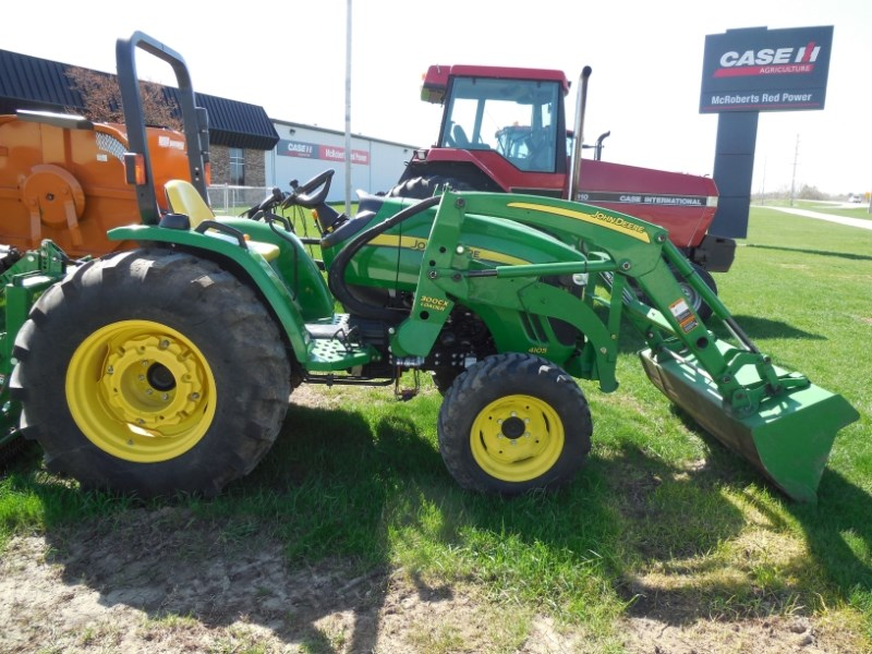 2013 John Deere 4105 Tractor For Sale