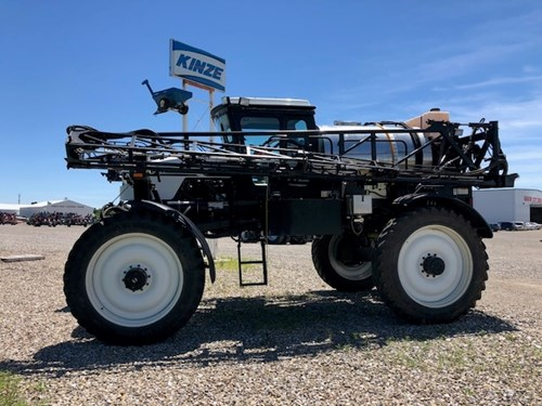 Sprayer-Self Propelled For Sale:  2000 Willmar 8500
