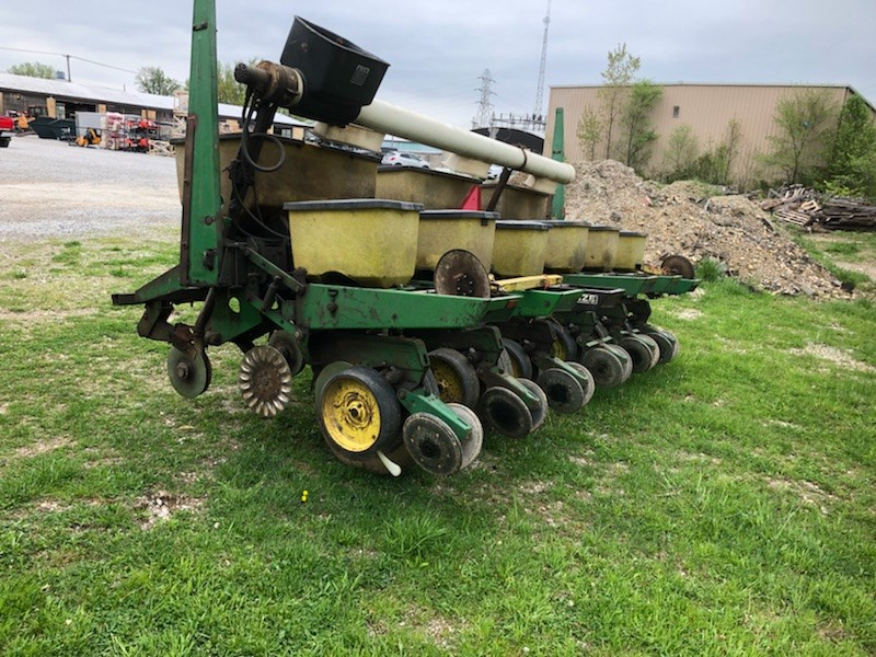 John Deere 7000 Conservation Planter For Sale