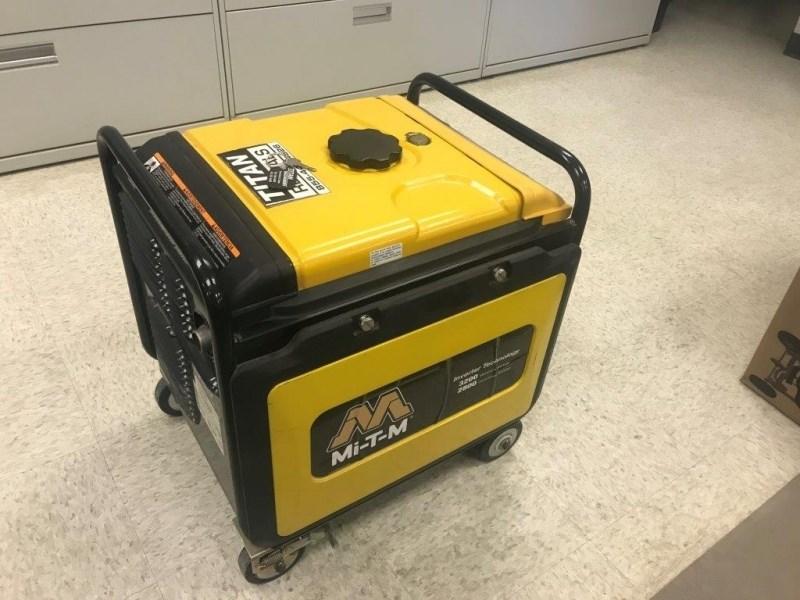 2012 MTM 3200W, MiTM Generator, 195 Hr, Portable Generador a la venta