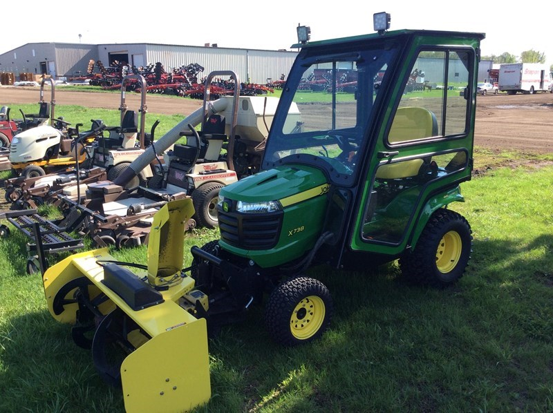 2015 John Deere X738 Riding Mower For Sale