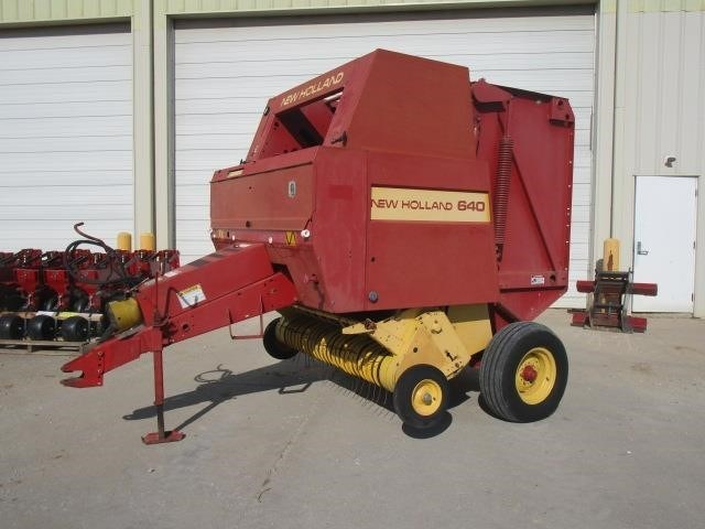 1995 New Holland 640 Baler-Round For Sale