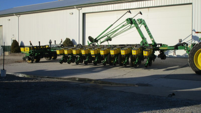 Photos Of 1999 John Deere 1770 Planter For Sale At Monticello Ahw Llc