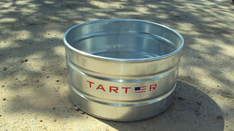 Tarter 165 gal. round 4 x 2 galvenized stock tank Tank For Sale