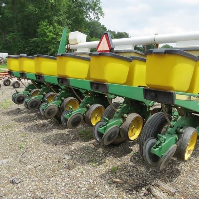 John Deere 7200 Planter For Sale