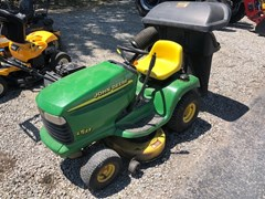 Riding Mower For Sale 1999 John Deere LT133 , 13 HP