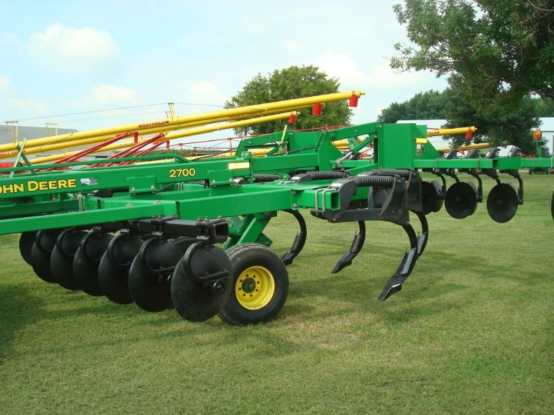 2013 John Deere 2700 Rippers For Sale